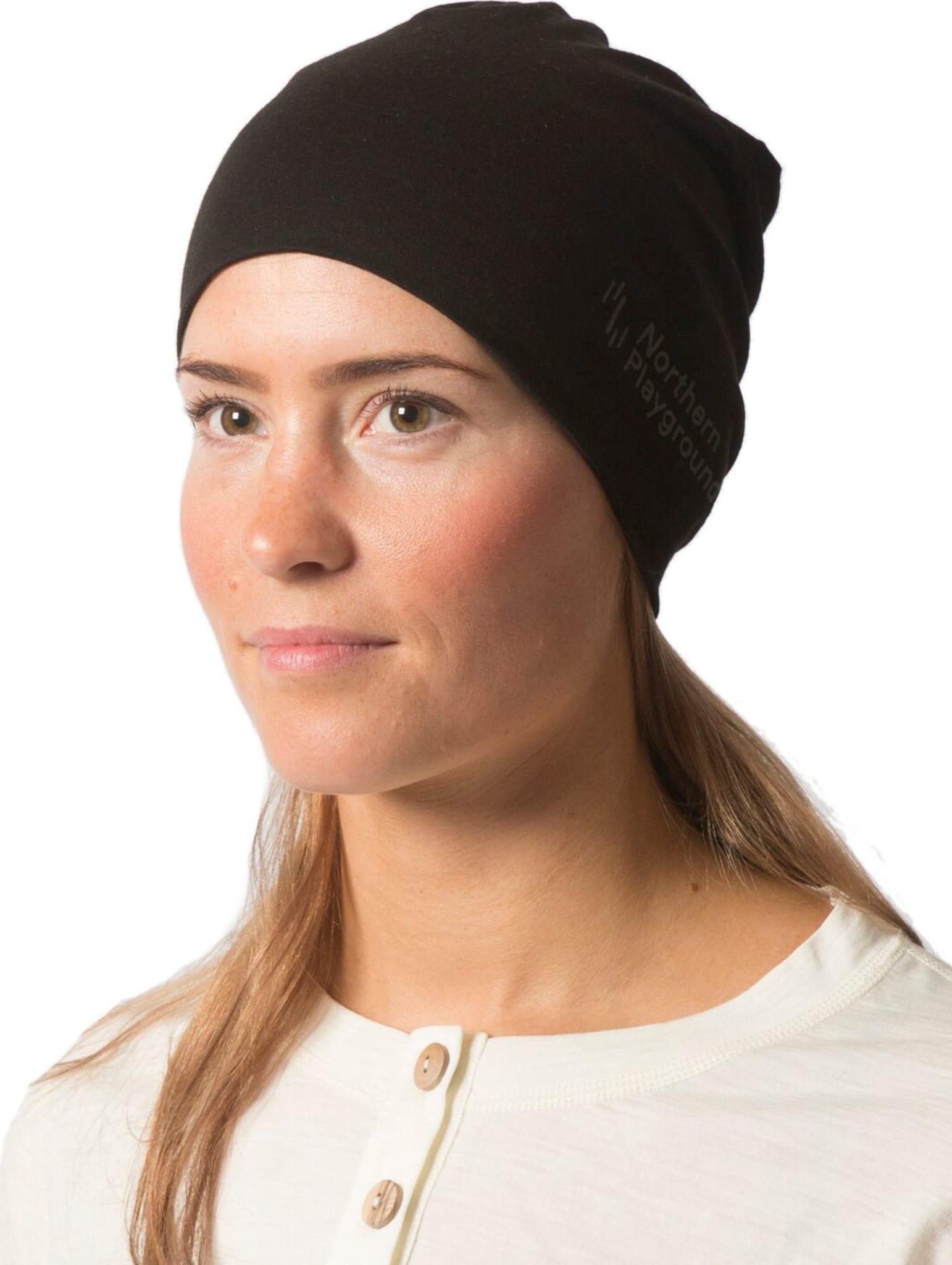 Tynn lue i ull til bruk på byen, i fjellet eller under hjelmen