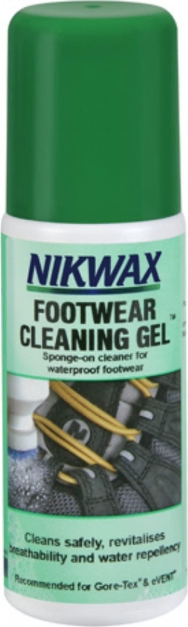 Vaskemiddel for skånsom og effektiv rengjøring av lær og annet impregnert materiale