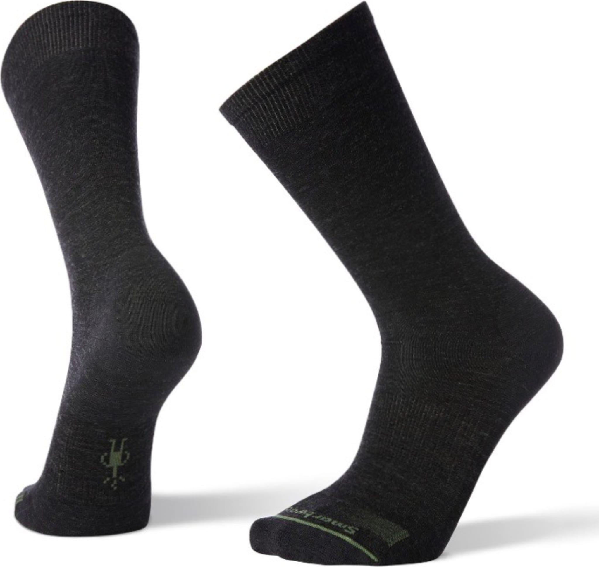 Sokker som passer like bra til dressen som i løpeskoene