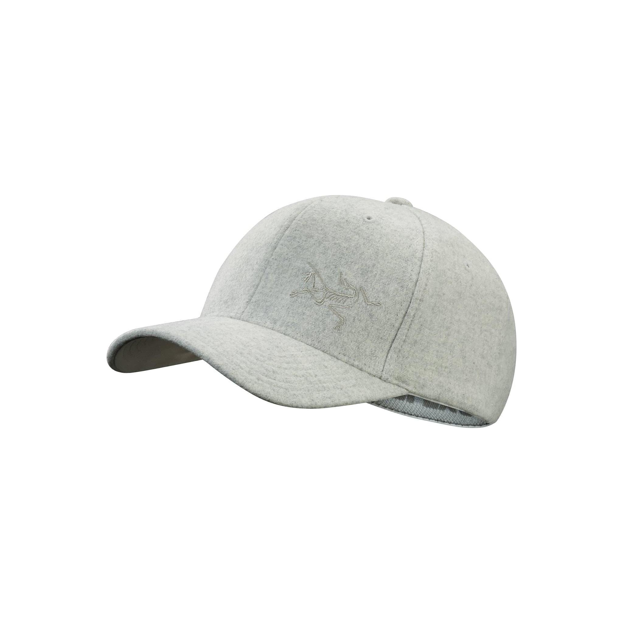 Klassisk baseballcaps av ull med Flexfit og diskré Arc'teryx-logo