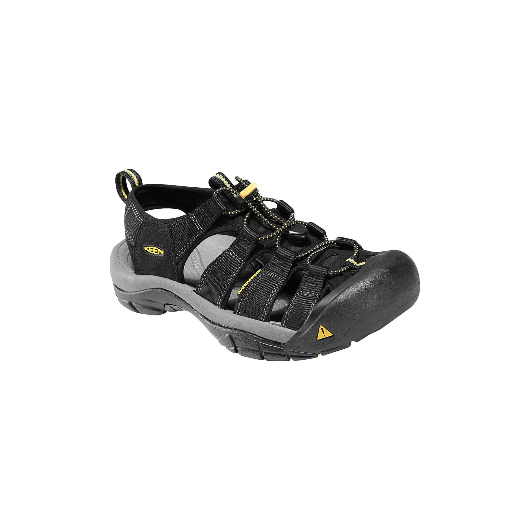 Kraftig sandal for reising og vandring i varmt vær