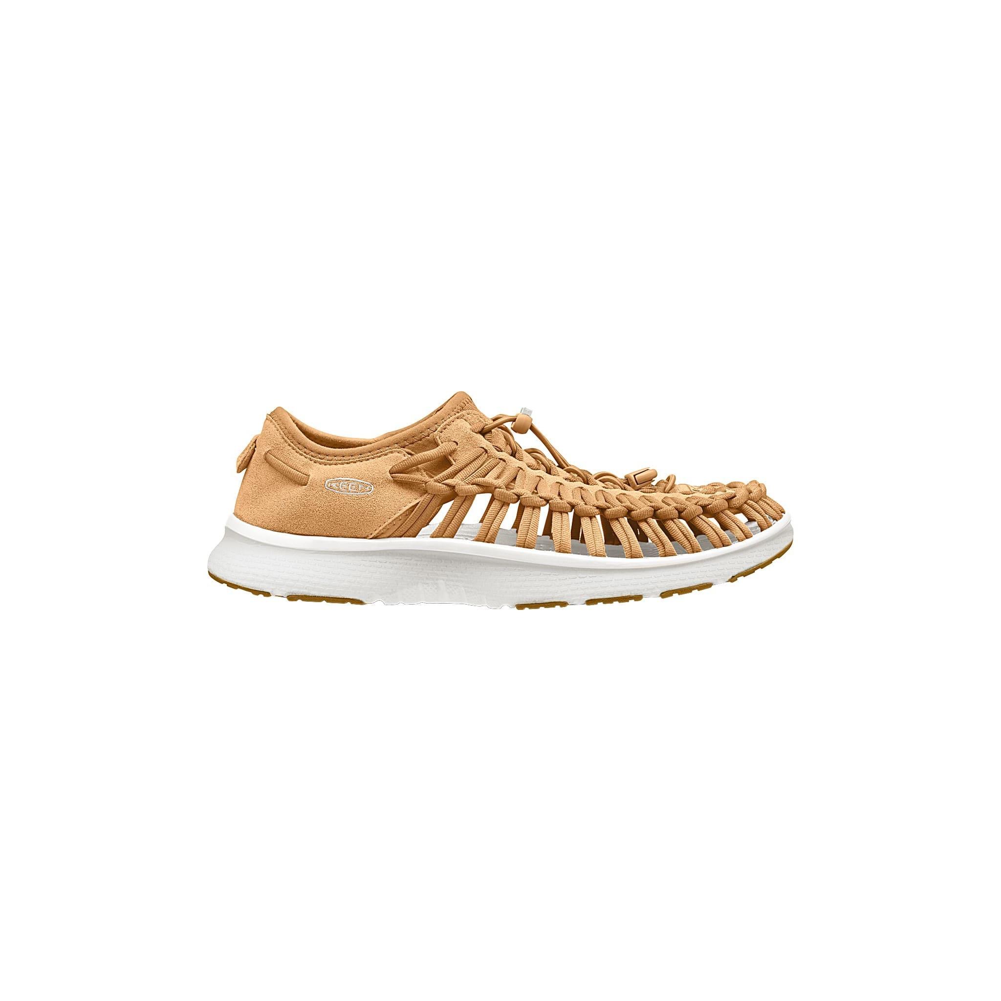Krysning mellom sko og sandal med stilig utseende til dame
