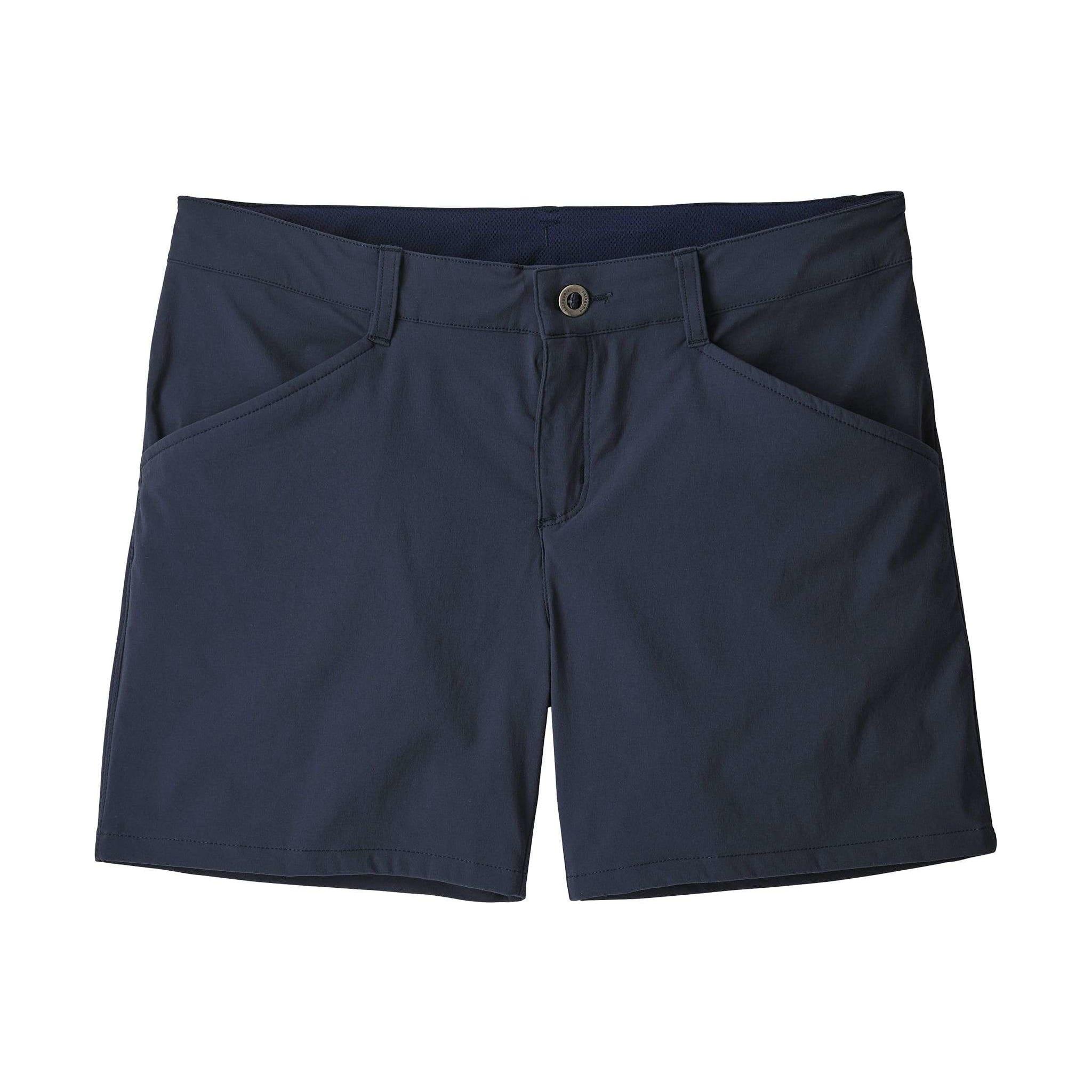 Kort shorts i hurtigtørkende stoff