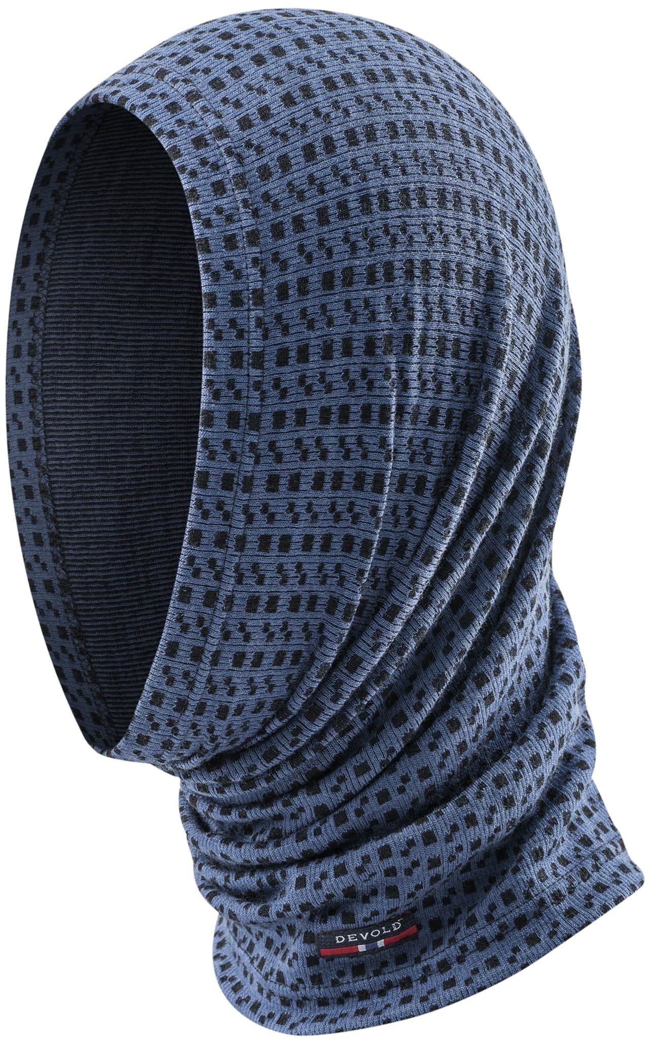 Mellomtykk hals med strikkemønster