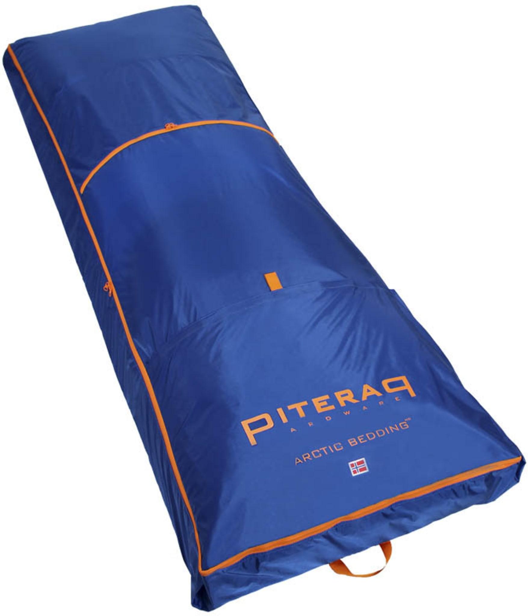 Ekspedisjonsbedding i ekstra stor størrelse for frakt av liggeunderlag og sovepose på pulk