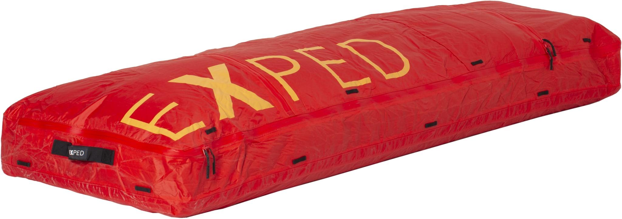 Bag til å frakte sovepose og liggeunderlag ferdig utslått på pulk
