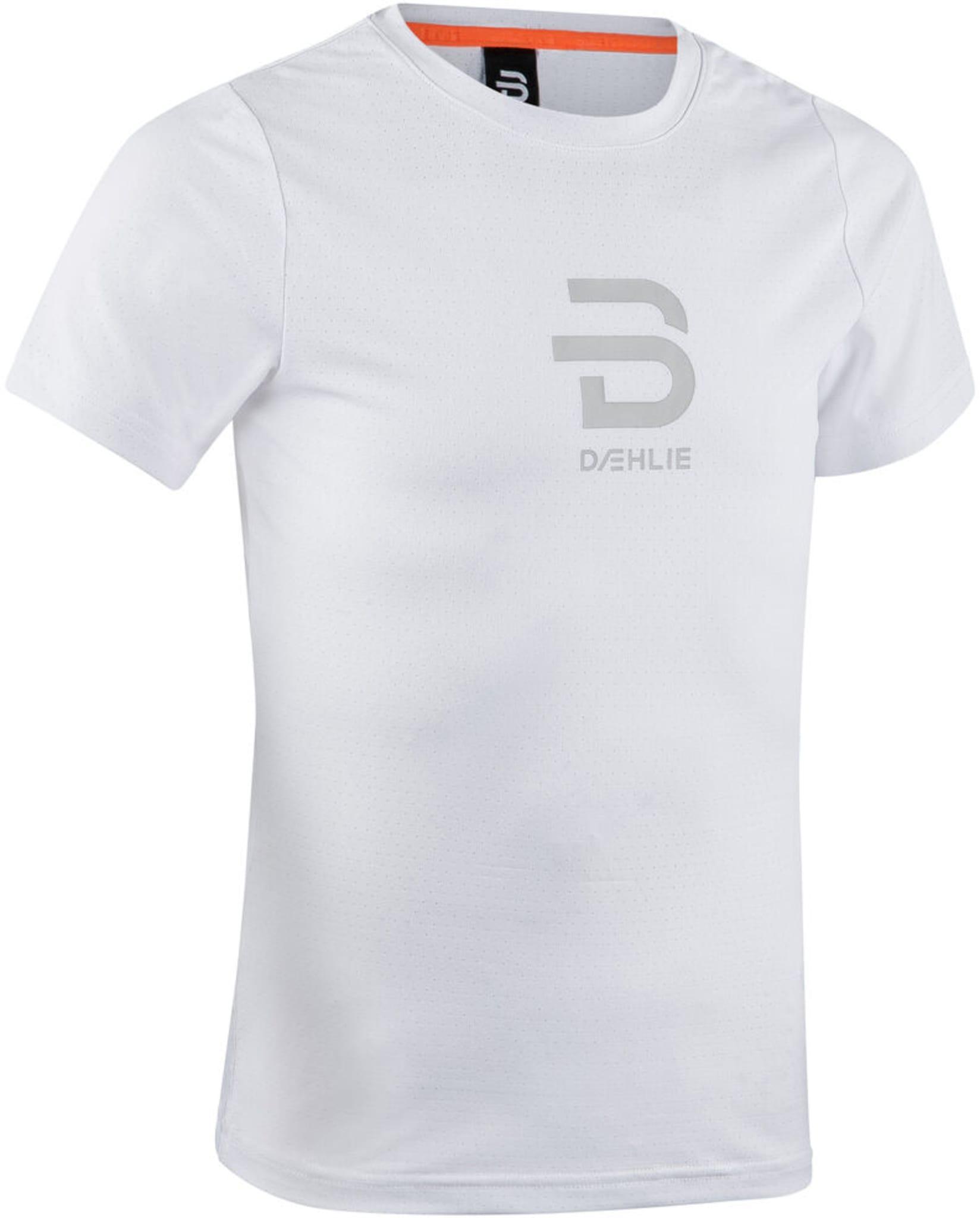En lettere teknisk t-skjorte til barn ment for trening. Den ventilerer veldig godt gjenneom ørsmå hull i stoffet
