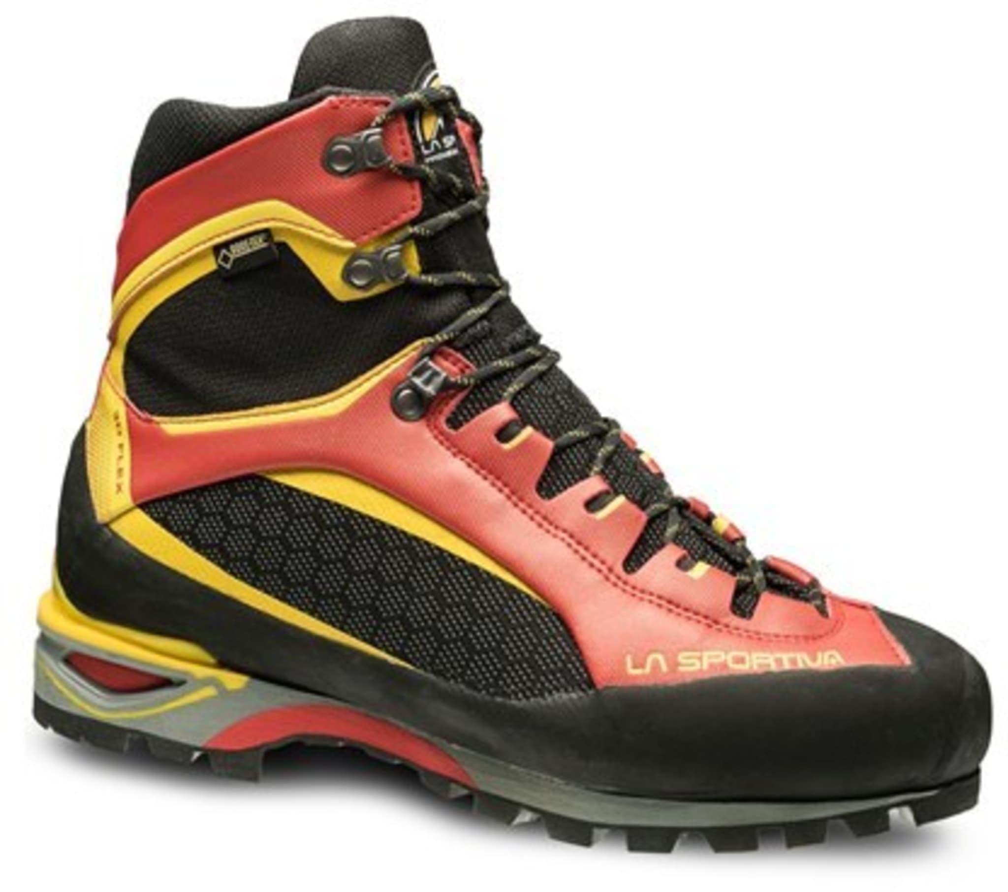 Lett, vanntett og moderne sko for fjellturer med eller uten tung sekk