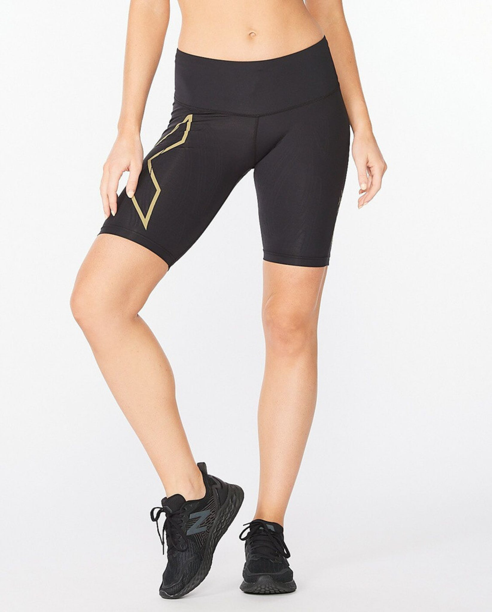 Light Speed Mid-Rise Compression Shorts W