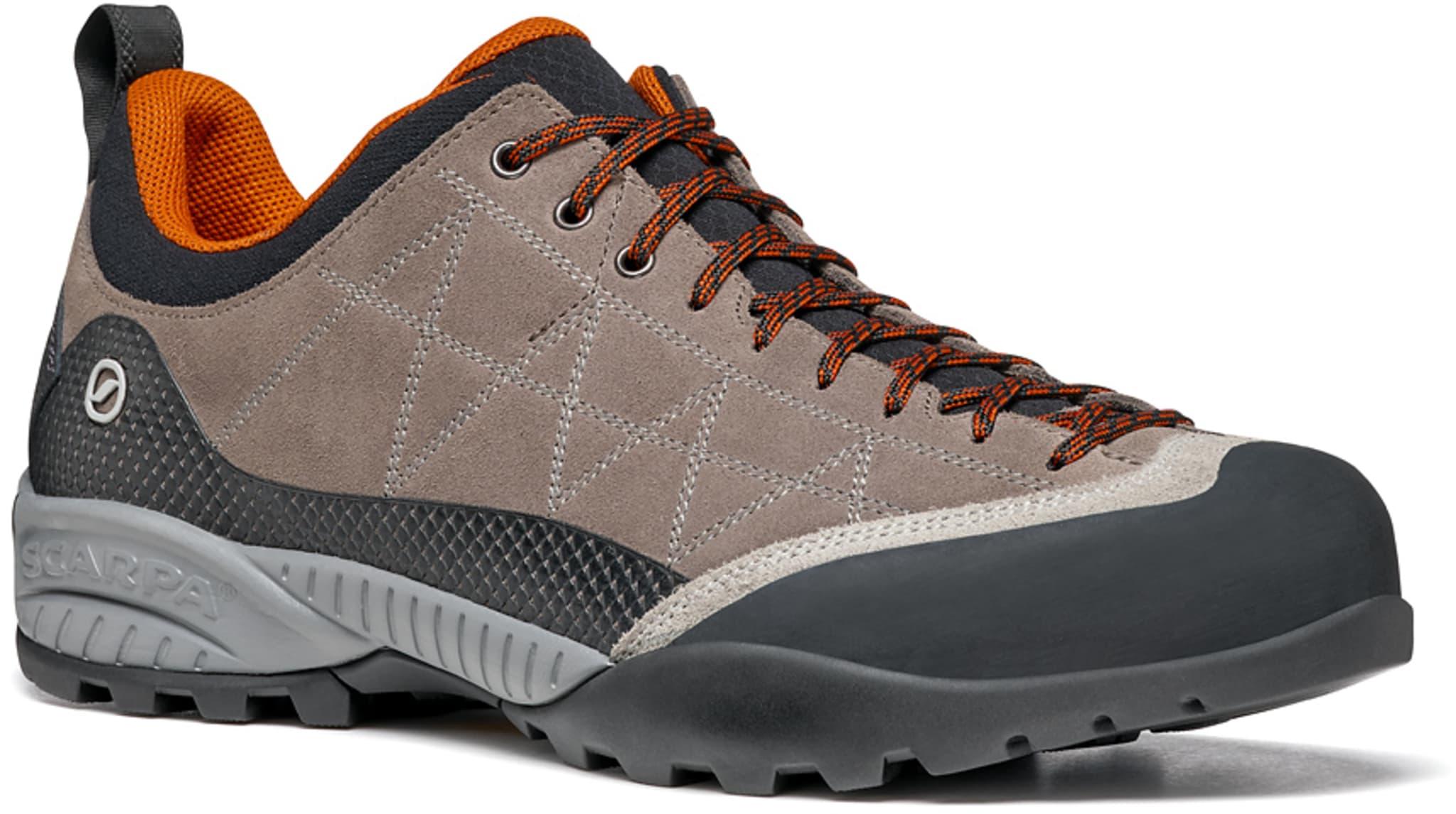 Slitesterk sko med såle i Vibram og overdel i lær