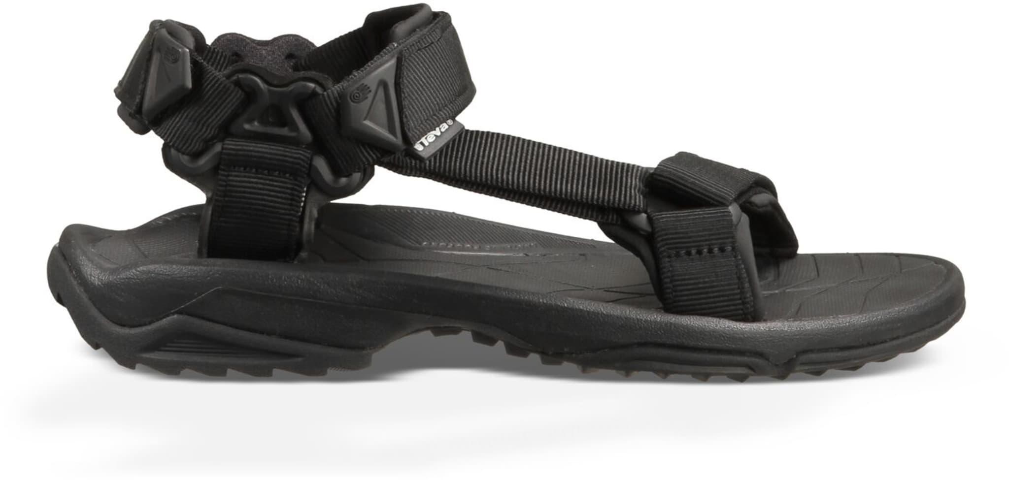 Lett og minimalistisk sandal